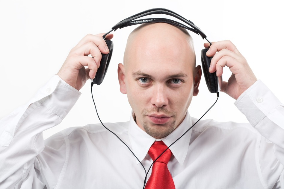 Headphone to isolate from noise in open space office